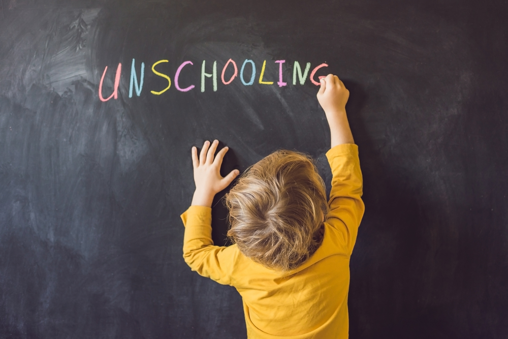 10 Brilliant Unschooling Ideas To Consider While We All Struggle with Formal Learning During the Pandemic