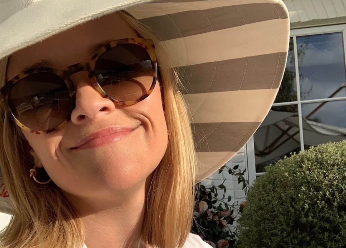Reese Witherspoon Posts Picture Of Look-Alike Daughter Ava