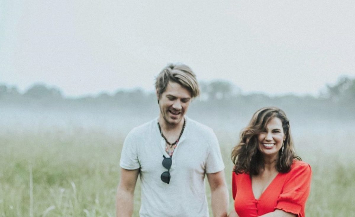 Taylor Hanson and Wife Are Pregnant With Baby Number 7