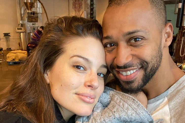Ashley Graham Gives Love to Postpartum Stretch Marks