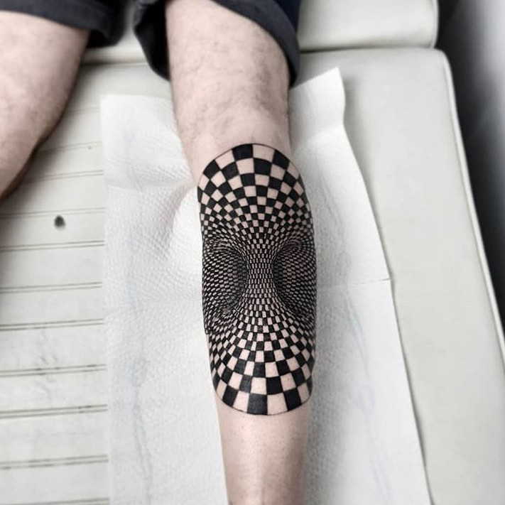 25 Optical Illusion Tattoos That Will Blow Your Mind