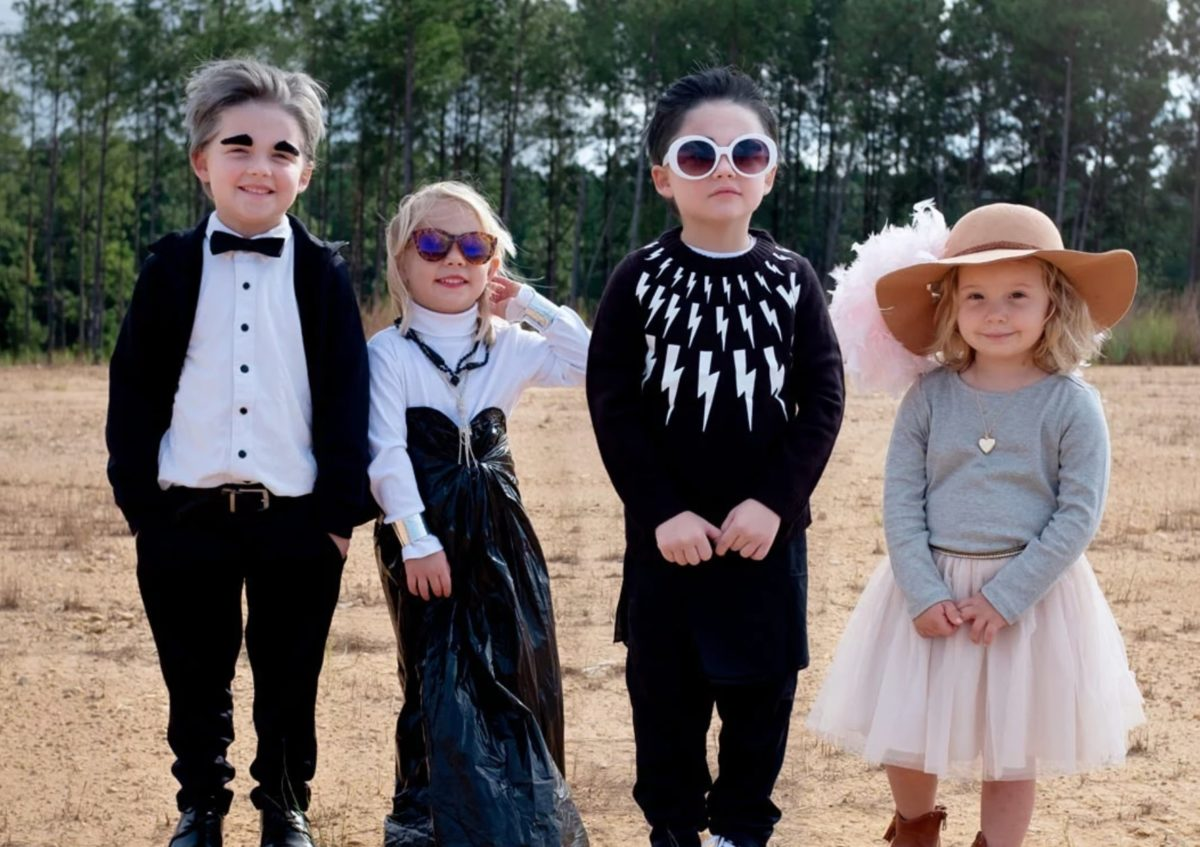 Mom Dresses Kids As Schitt's Creek Characters For Halloween