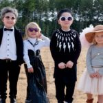 Mom Dresses Kids As Schitt's Creek Characters And It Is Spot On