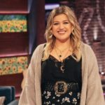 Kelly Clarkson Reveals Her Children Are In Therapy Due To Divorce