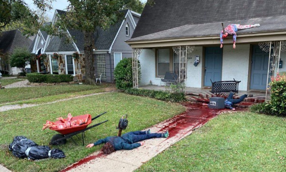 One Man's Halloween Decorations Are So Terrifying That Police Have Been Called Multiple Times