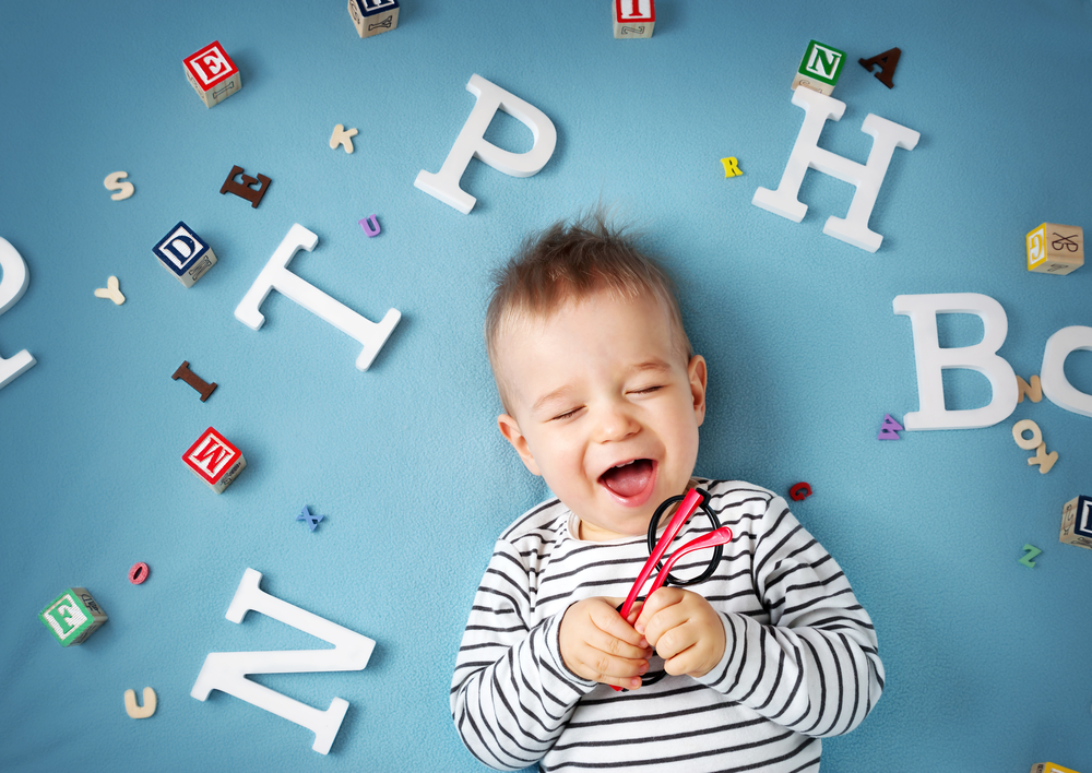25 Brilliant Names for Boys That End with a Vowel