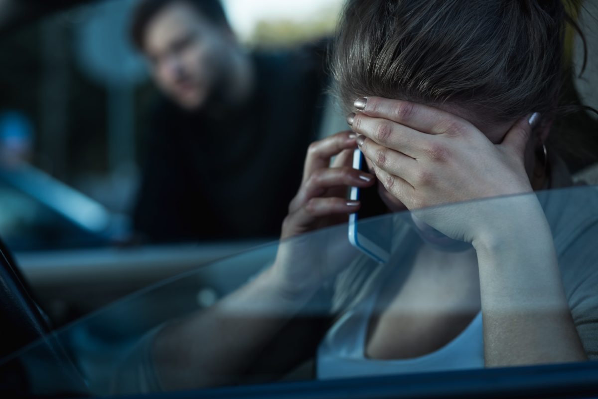 husband tells pregnant wife she's gross for having nausea