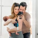 Trainer Anna Victoria Says There's No Shame in 3-Months-Postpartum Tummy