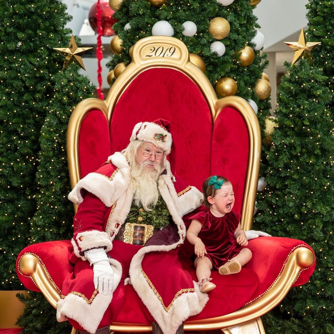 25 scary santas and the children they traumatized