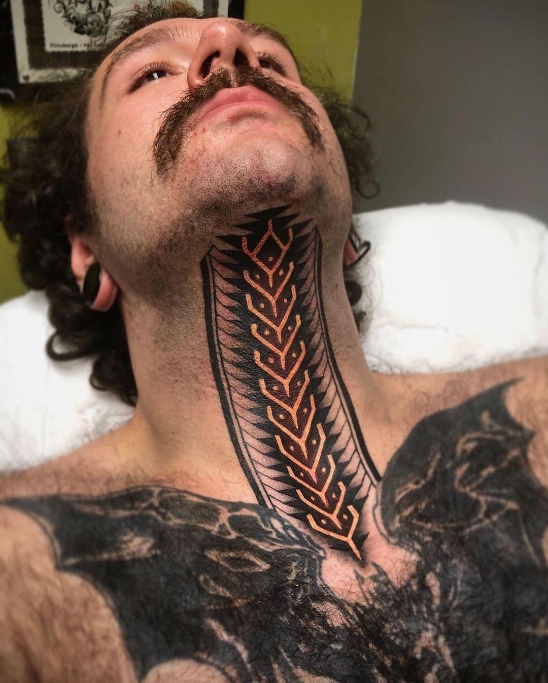 25 daring throat tattoos