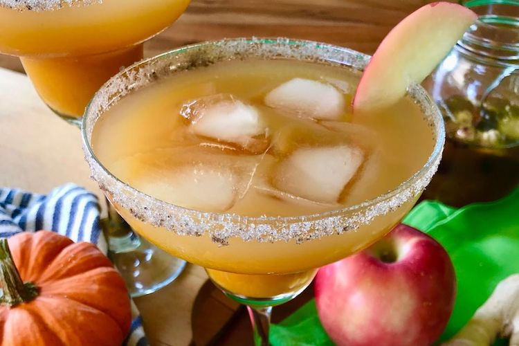 holiday cocktails pumpkin margarita