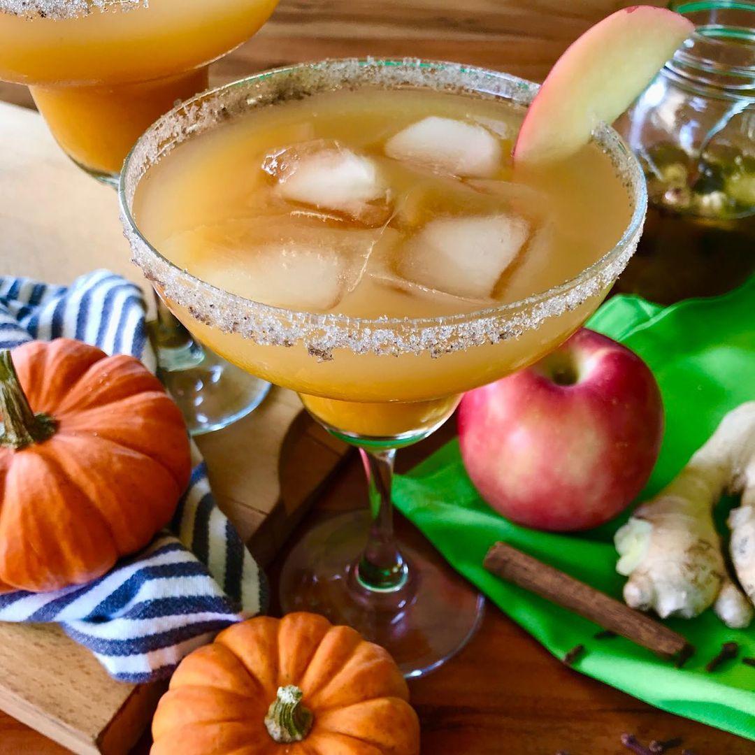 we found 12 heavenly holiday cocktails guaranteed to bring you joy pumpkin cider margarita