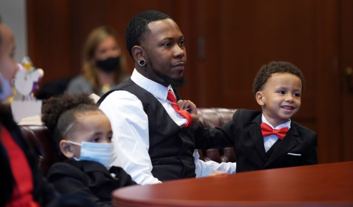 Single Foster Dad Reunites 5 Siblings, Adopts Them All