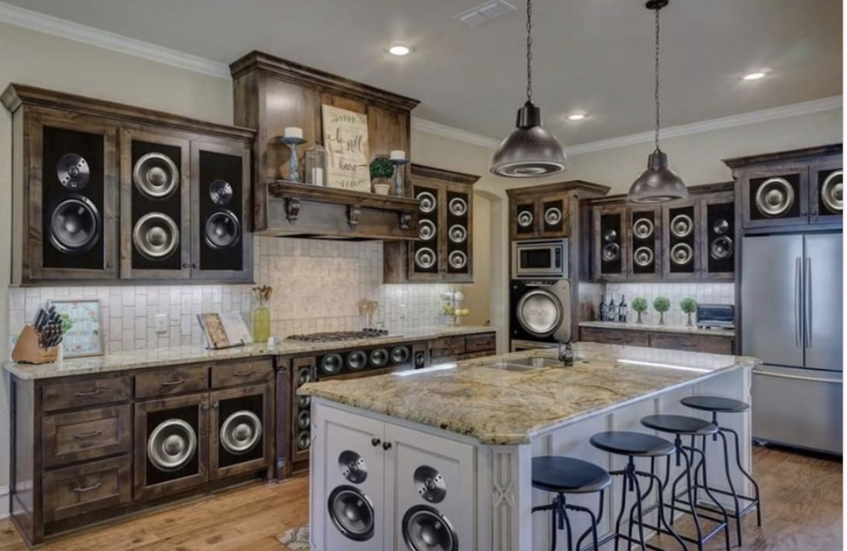 """10 """"what were they thinking"""" home design fails"""
