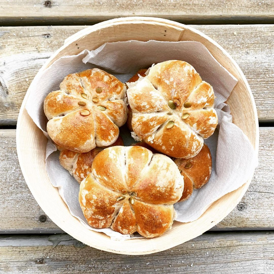 10 modern thanksgiving sides certain to refresh your holiday dinner pumpkin dinner rolls