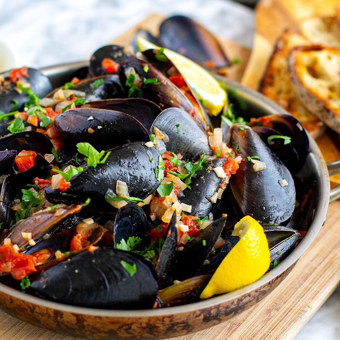 we found the most mouth-watering instant pot recipes that you will want to eat right now, like mussels marinara.