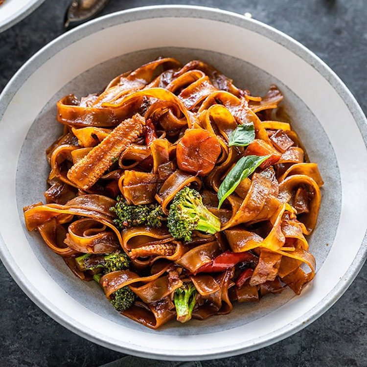 we found the most mouth-watering instant pot recipes that you will want to eat right now, like drunken noodles.