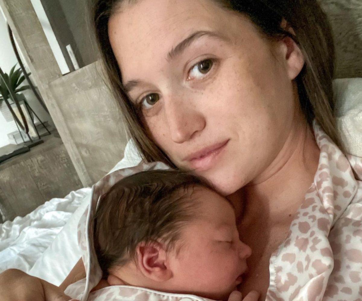 jade roper tolbert on giving her postpartum body 'grace'