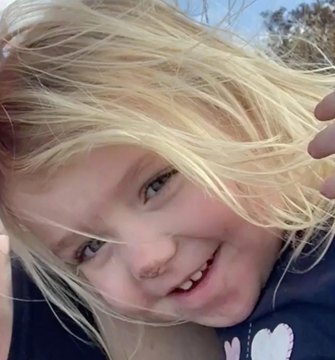 3-year-old dies in car while mom and boyfriend watch netflix