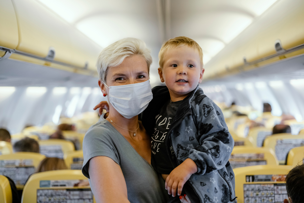 what are your thoughts about the family who got kicked off a flight because their 2-year-old wouldn't wear a mask?