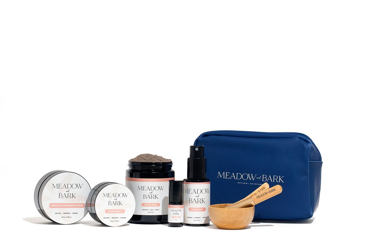 give mom the gift of a relaxing night in with these affordable skincare products from meadow and bark | the moms in your life deserve these meadow and bark products this christmas.