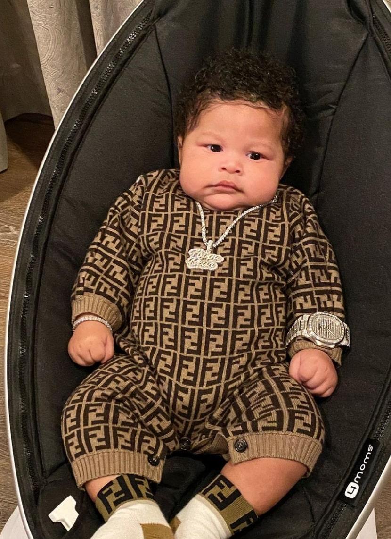 nicki minaj posts photo of son, 'painful' breastfeeding