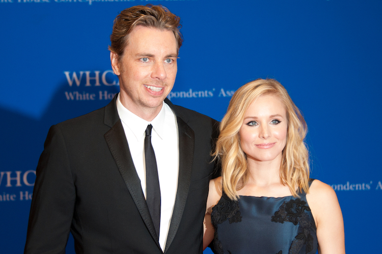 the reason dax shepard told daughters not to tell people kristen bell voiced anna in 'frozen'