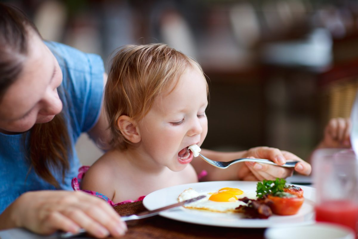 us dietary guidelines say kids under 2 should have no sugar