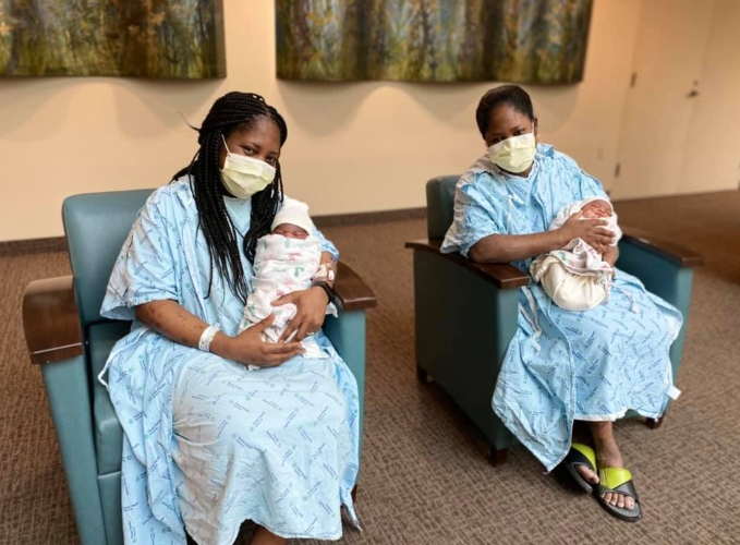 Identical Twin Sisters Miraculously Give Birth At Same Time