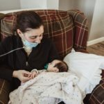 COVID-19 Positive Mom Who Gave Birth In A Coma Finally Meets 3-Month-Old Daughter