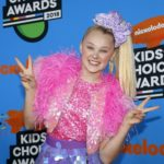 JoJo Siwa Reveals Girlfriend Of 1-Month To Instagram On The Couple's Anniversary