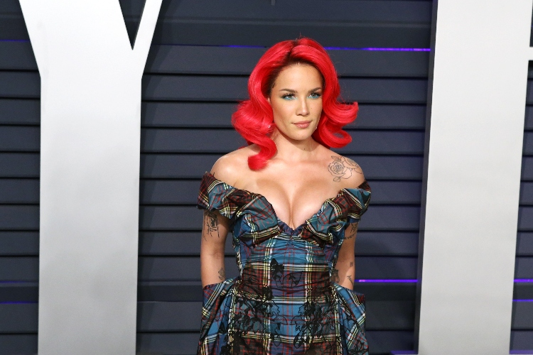 Halsey Gives Update On Pregnancy, Speaks On Gender
