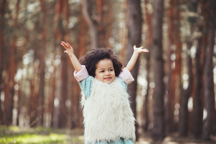 25 backwards baby names for girls that contain words, names, and hidden meanings in reverse