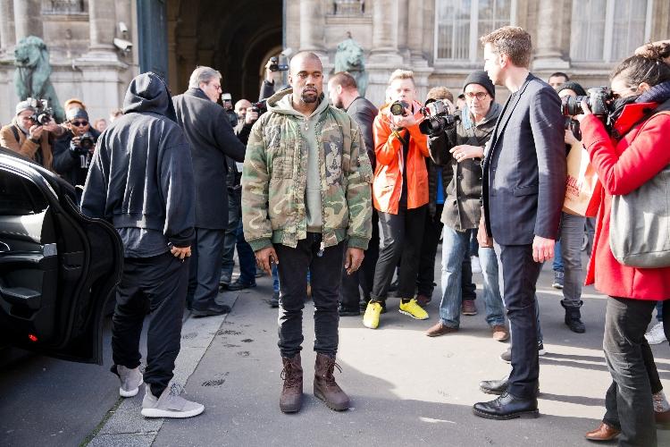 Kanye West Is Struggling With Divorce From Kim Kardashian