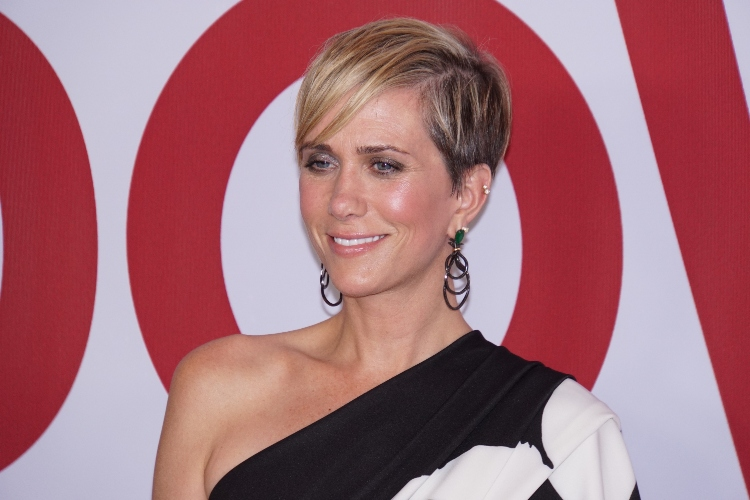 kristen wiig says twins will come first before any work