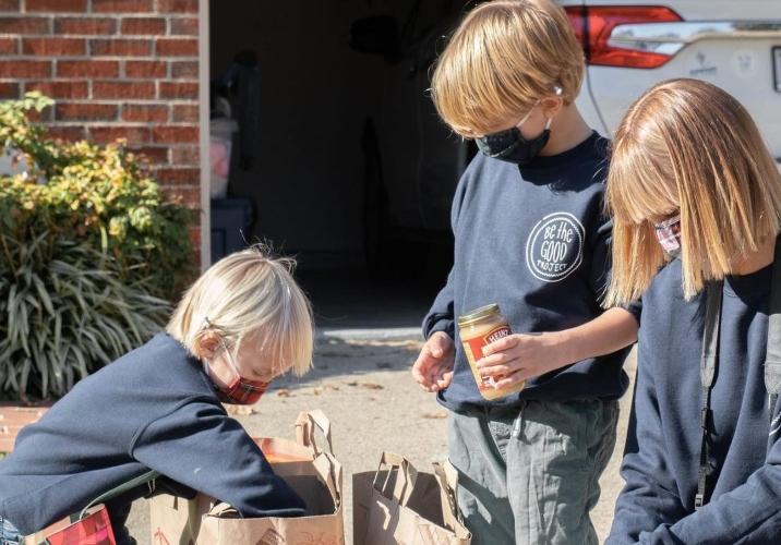 virginia family starts mini food pantries donating food
