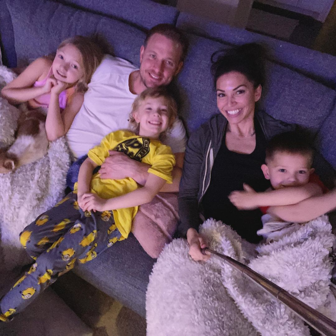 the bachelor's melissa rycroft's hubby and daughter moment
