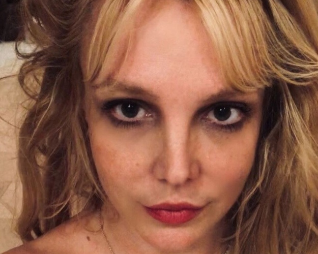 Britney Spears Posts Rare Photo Of Her Two Teenage Sons