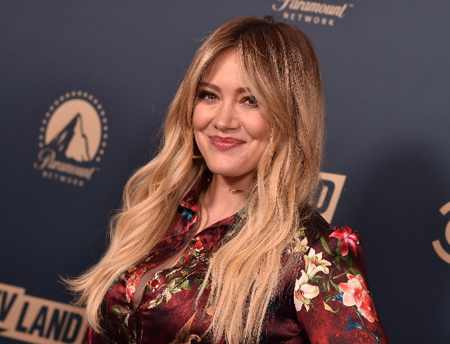 pregnant hilary duff discovers what caused 'stabbing pain'