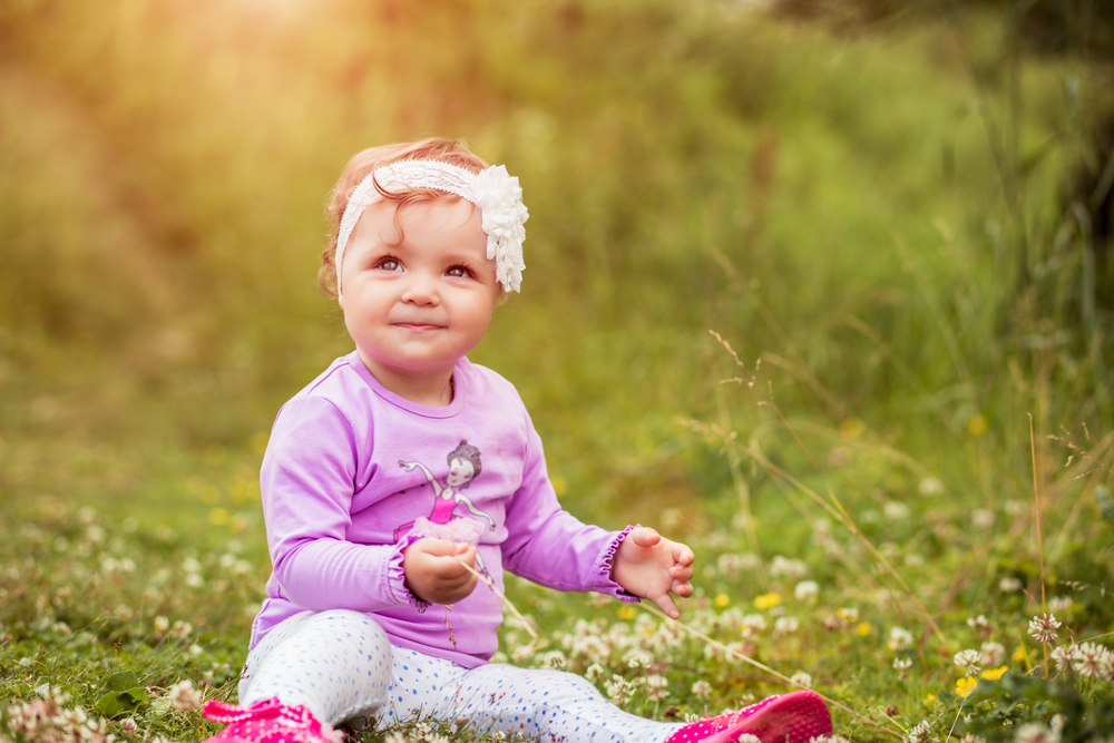 25 weightless baby names for girls that mean freedom