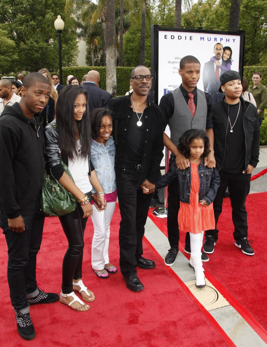 eddie murphy says it is a privilege to be a father to 10