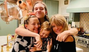 kate hudson shares super sentimental gift idea she things moms would love for mother's day