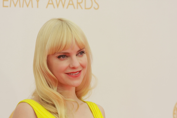 anna faris shares rare photo of son as an infant to bring awareness to premature birth fundraiser