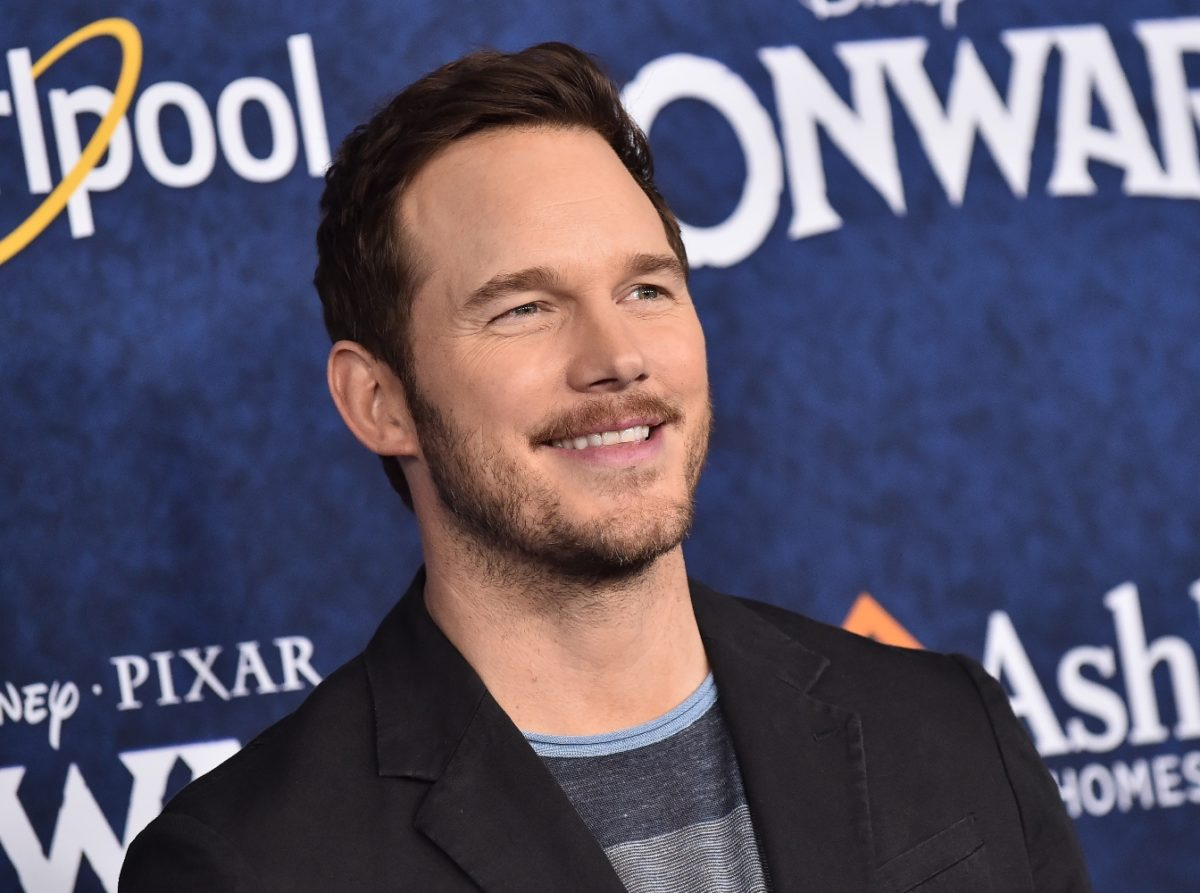 chris pratt posts selfie of son and 8-month-old daughter