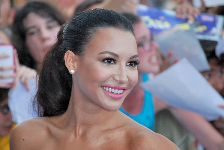 naya rivera to posthumously voice catwoman in dc's batman