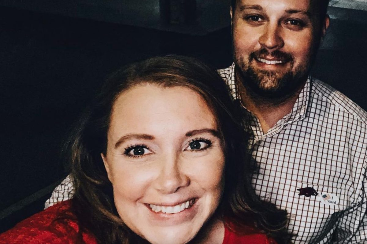 josh duggar's defense team claims photos taken of a scar on his hand during his arrest were illegally taken—prosecution fights back