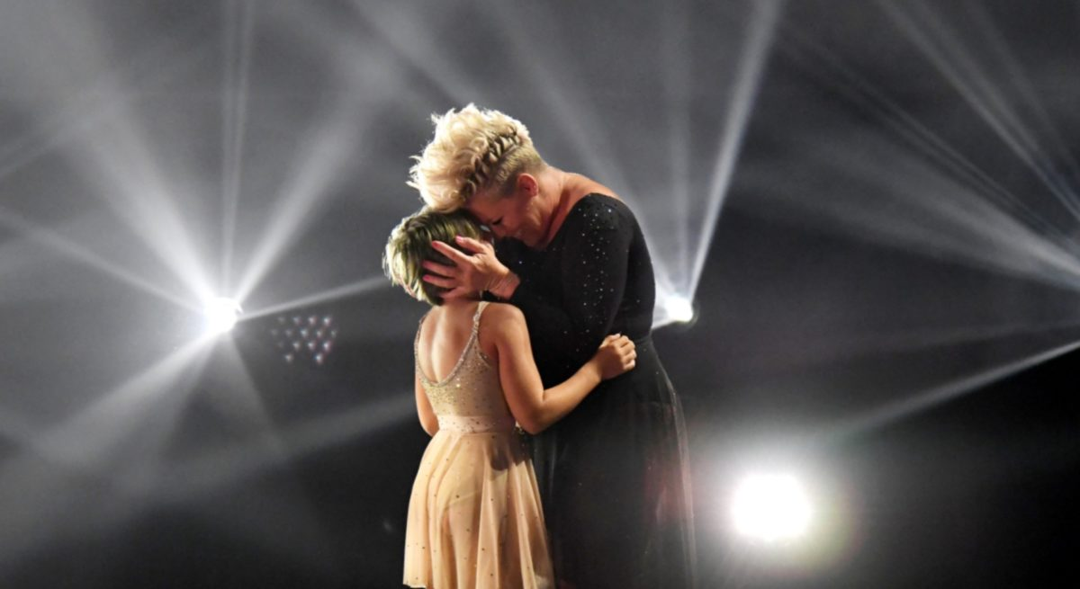 pink performs with daughter willow sage in aerial duet