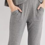 These Lightweight Joggers From American Eagle Are a MUST