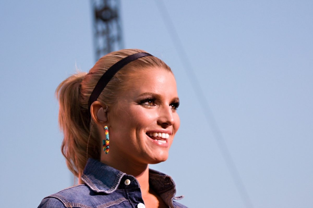 jessica simpson praises daughter maxwell on her 9th birthday