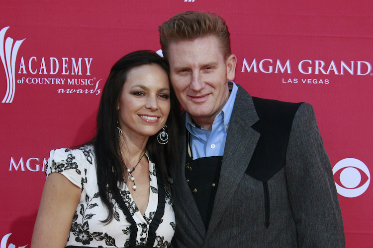rory feek pens touching tribute entitled 'motherless day' 5 years after losing his wife